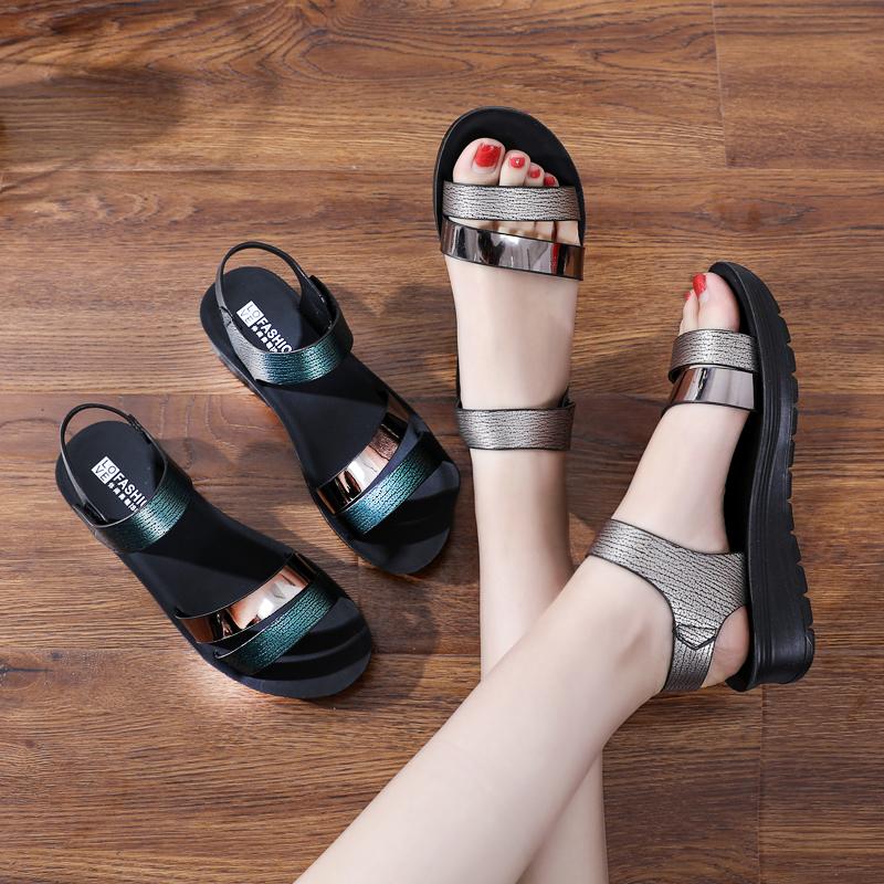 妈妈凉鞋女夏平底30岁孕妇防滑40岁中年软底中老年凉拖鞋50真软皮 - 图0