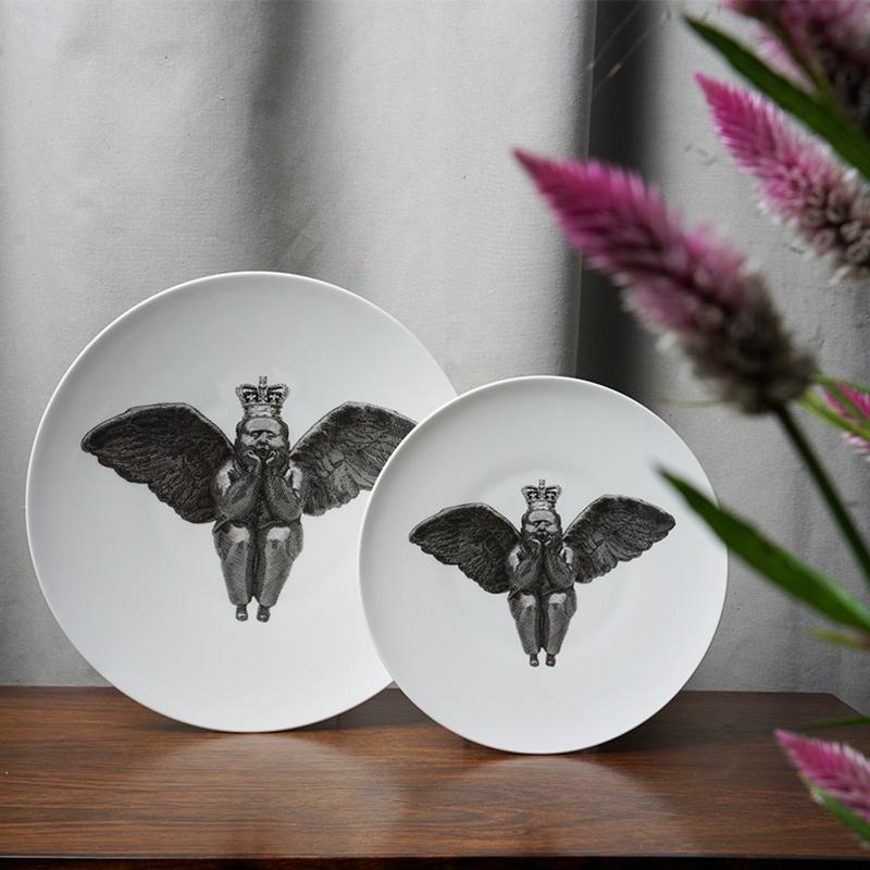 稀奇艺术家居系列王冠天使圆盘白边盘子装饰墙 陶瓷挂盘坐盘摆件