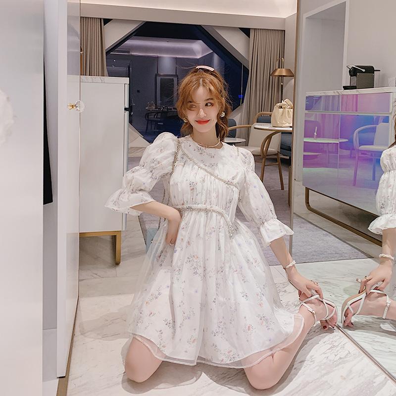 真丝连衣裙女夏季法式设计感白色气质收腰显瘦泡泡袖印花连身裙子