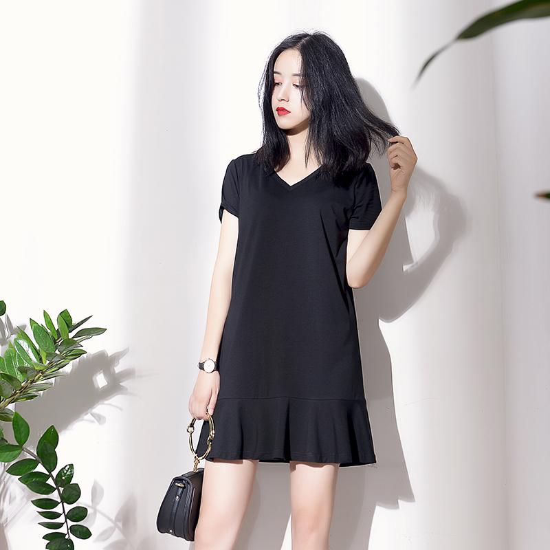 V领鱼尾裙连衣裙女短袖宽松显瘦荷叶边直筒赫本小黑裙夏纯棉t恤裙