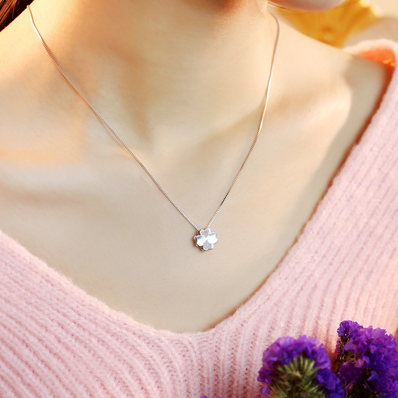 钻石吊坠女款 百搭珠宝首饰 白金项链 18K 女友礼物 铂金项链 PT950