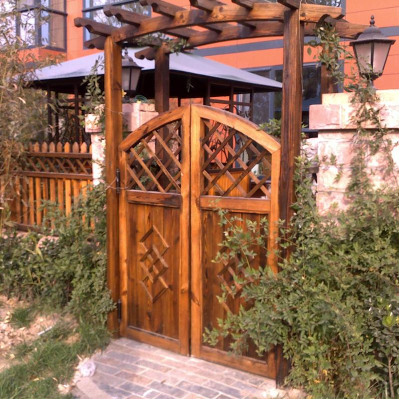 定做防腐木栅栏围栏网格 碳化木围栏护栏 防腐木门/花园庭院围栏