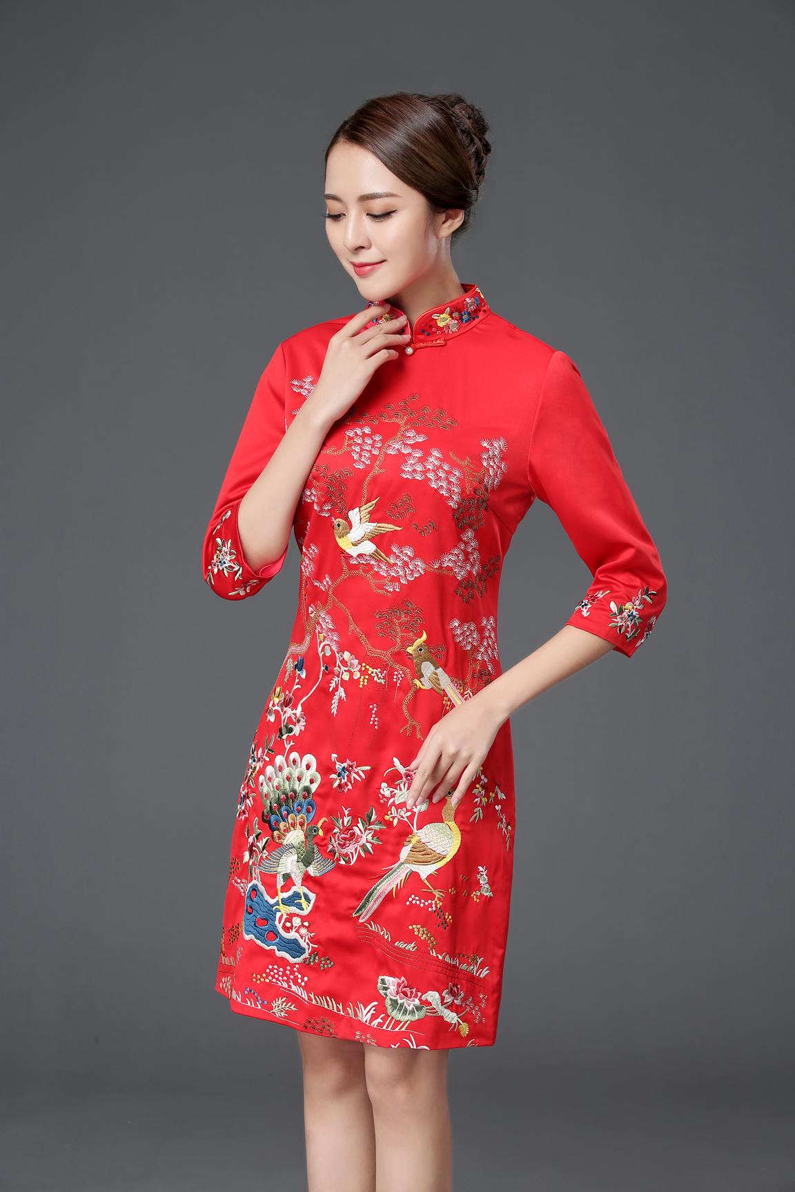 敬酒服旗袍改良女显瘦时尚刺绣中袖中式礼服春秋季红色旗袍连衣裙