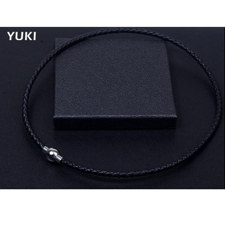 YUKI潮男女生个性牛皮链子项链绳项圈吊坠挂绳锁骨链钛钢扣短项链