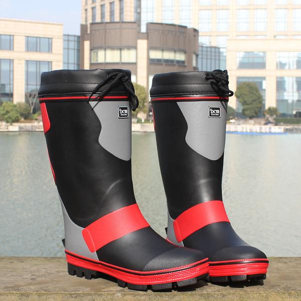 雨鞋男高筒带钢钉底高筒雨靴橡胶防滑冬季保暖加绒钓鱼鞋矶钓鞋
