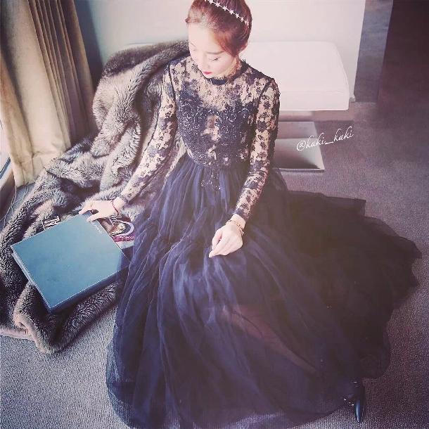 2018春装新款甜美黑天鹅性感透视蕾丝蓬蓬礼服长袖连衣裙潮
