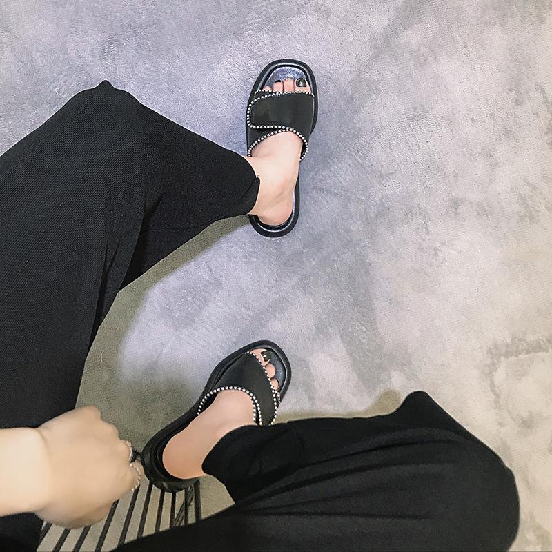 2020新款露趾魔术贴一字拖鞋女时尚室外穿平底凉拖鞋网红拖鞋女夏