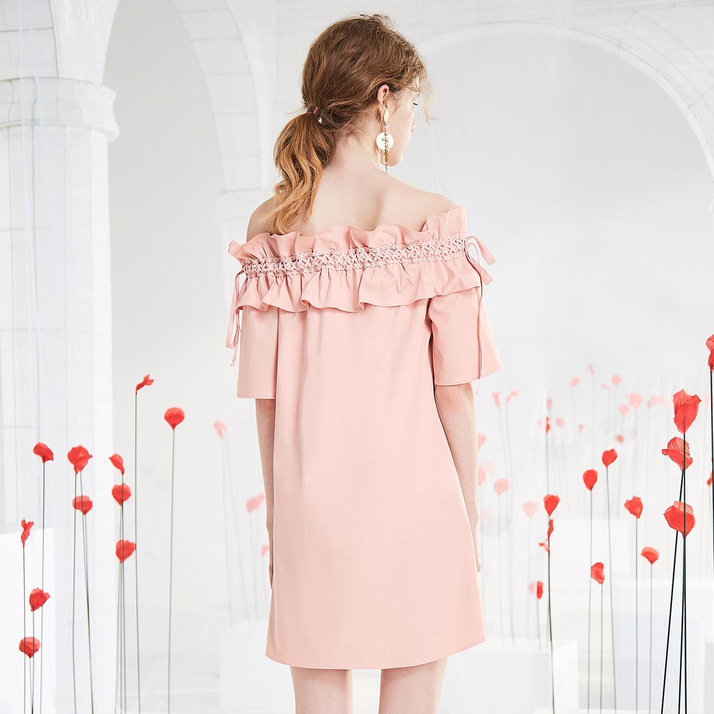 糖力2018夏装新款粉色欧美短袖荷叶边绑带一字肩连衣裙女