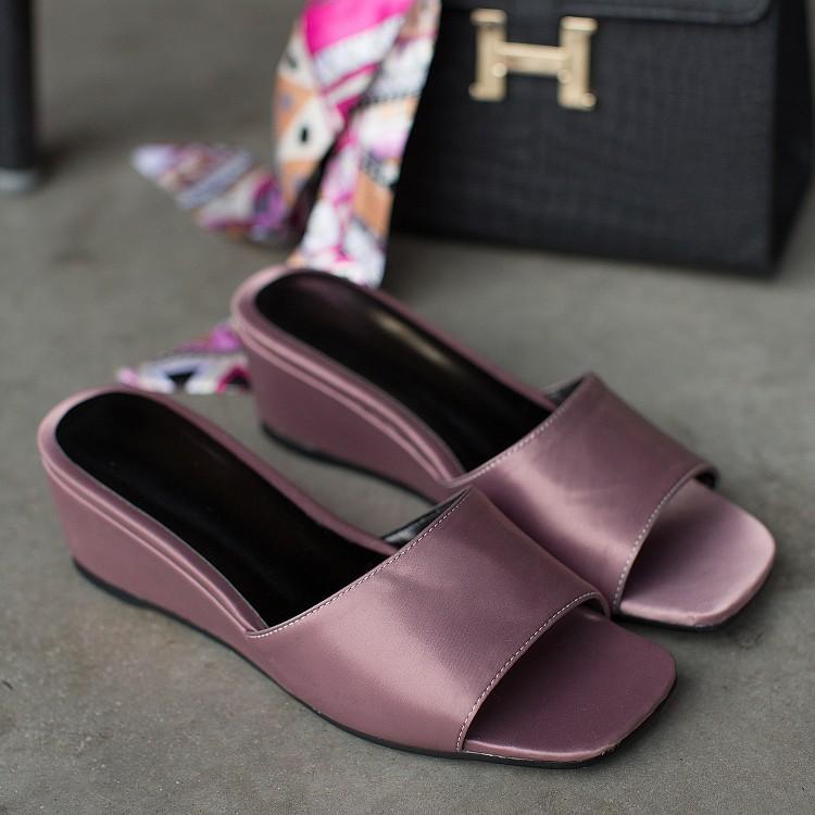 2017新款夏季真皮坡跟一字中跟方頭漆皮時尚平底黑色涼拖鞋女外穿