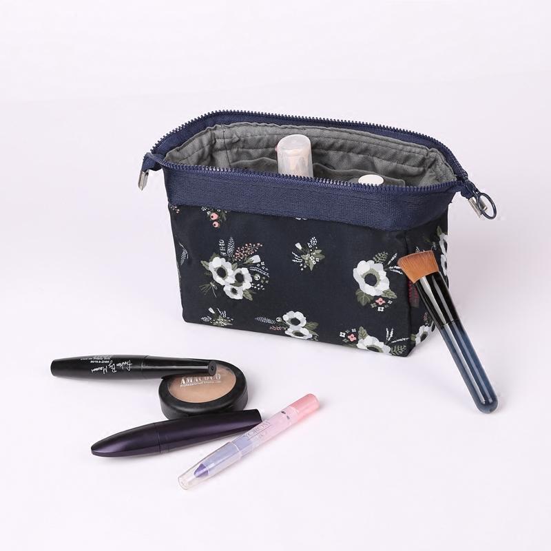 精品化妆包女士大随身收纳包软手包化妆袋旅行便携防水洗漱包分层