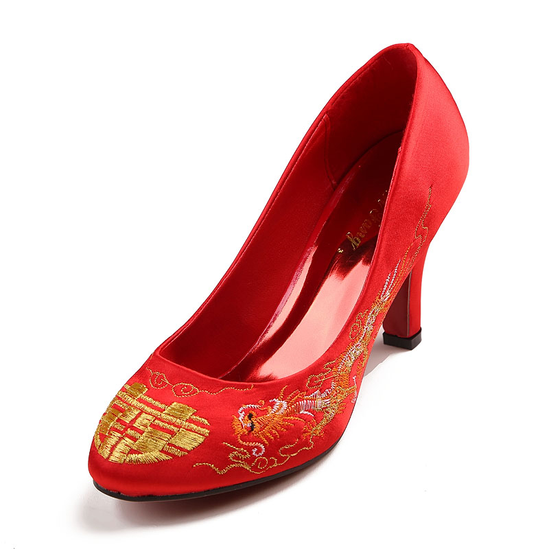 Chinese shallow mouth round slope with retro embroidered shoes red bridal wedding shoes with flat bottom shoes shoes wedding shoes