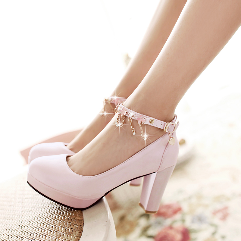 Diamond chain bridal shoes white wedding shoes thick with high heels in  autumn korean version of gong master shoes shoes bridesmaid shoes wedding  shoes fd573c747b7e