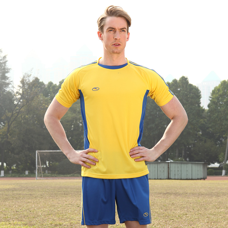 Lightning custom jersey football clothes suit male football team soccer  clothes soccer training suit male competition special jersey group 24b67c349
