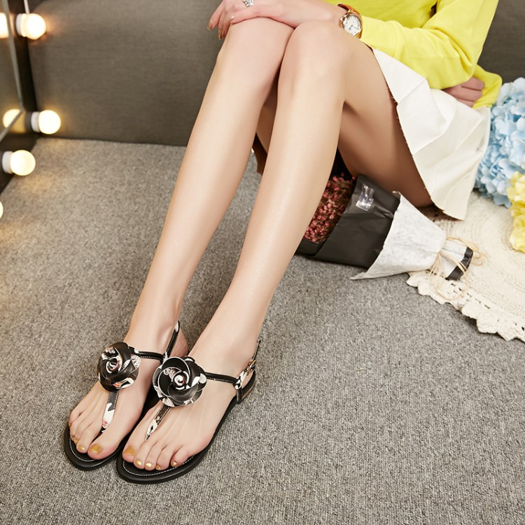 b12be08ea Buy Suofei yi floral sandals women simple and comfortable flat sandals with  flowers with flat thong sandals sandals t word in Cheap Price on  m.alibaba.com