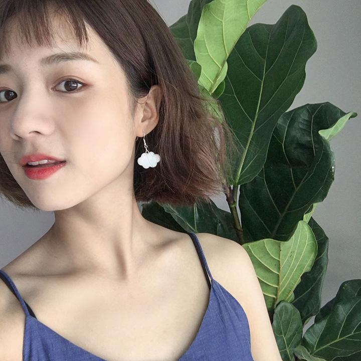 蓝天云朵撞色耳环韩国个姓气质蹦迪网红创意树脂耳钉女