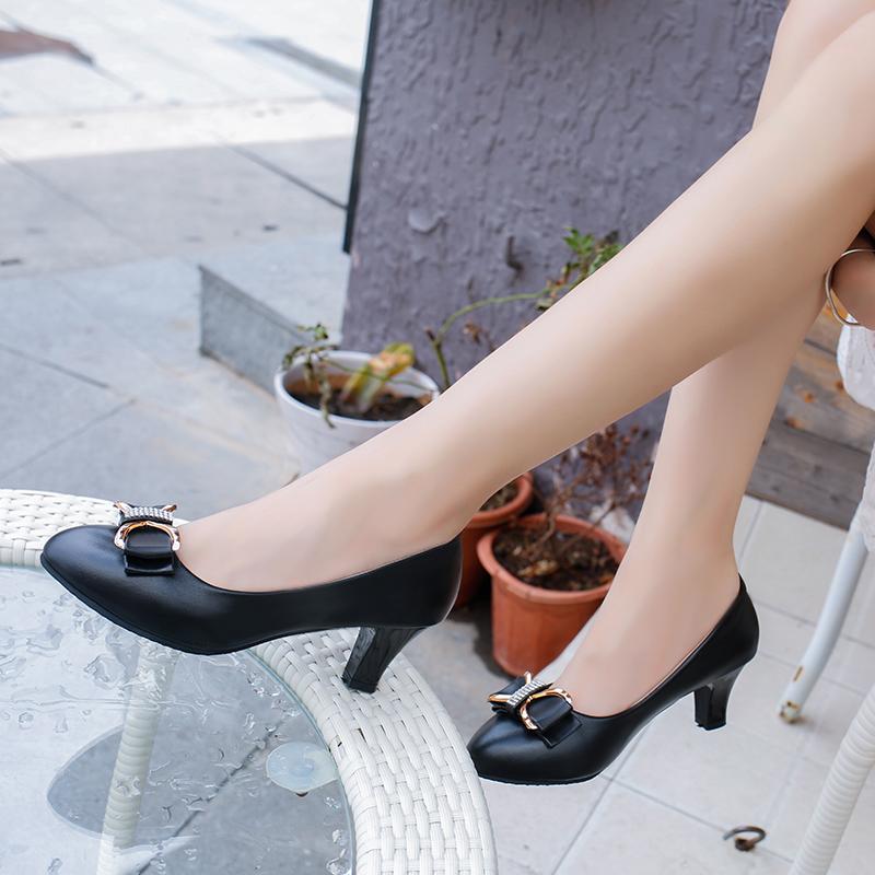 42 女士皮鞋 41 粗跟亚棱鞋大码 34 春秋职业高跟鞋女鞋漆皮小码