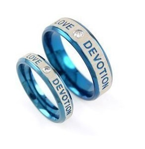 欧美镶钻蓝色恋情钛钢戒指 韩版潮人情侣对戒 情人节礼物(单个)