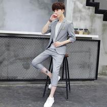夏季男士西服套装男薄款休闲条纹小西装男外套韩版修身中袖三件套