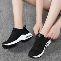 冬季新款加绒保暖棉鞋运动鞋女鞋黑色学生帆布百搭休闲潮鞋妈妈鞋