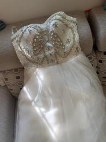 重工吊带抹胸婚纱连衣裙