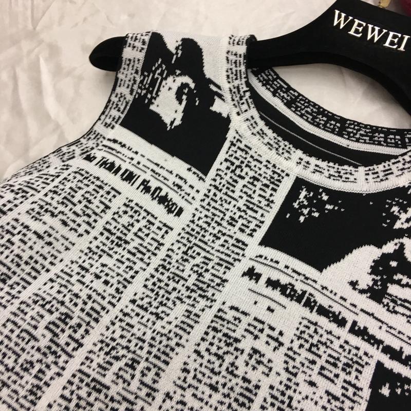 热卖欧货18夏季新品明星同款t恤无袖复古个性时尚百搭报纸画针织背心图片