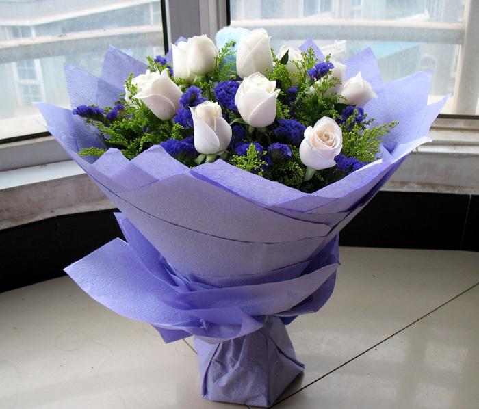 11朵红玫瑰花束礼盒七夕情人节鲜花速递深圳同城南宁图片