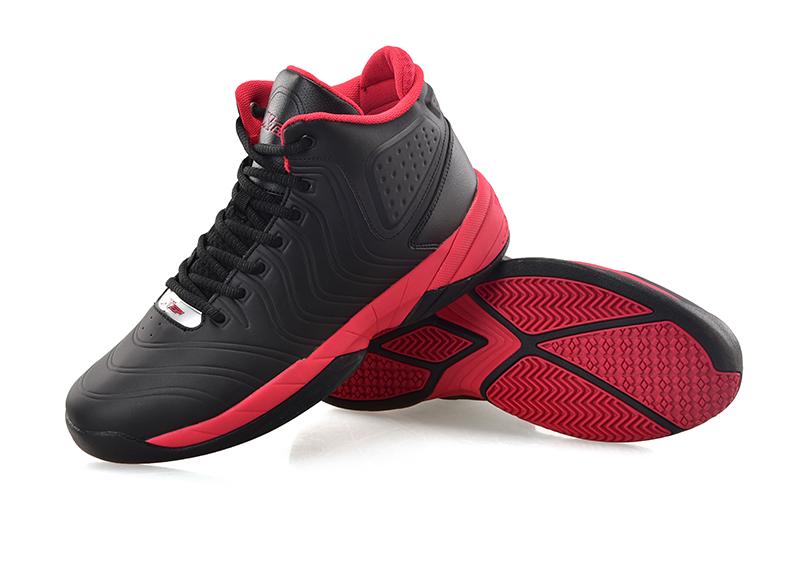 篮球鞋特步
