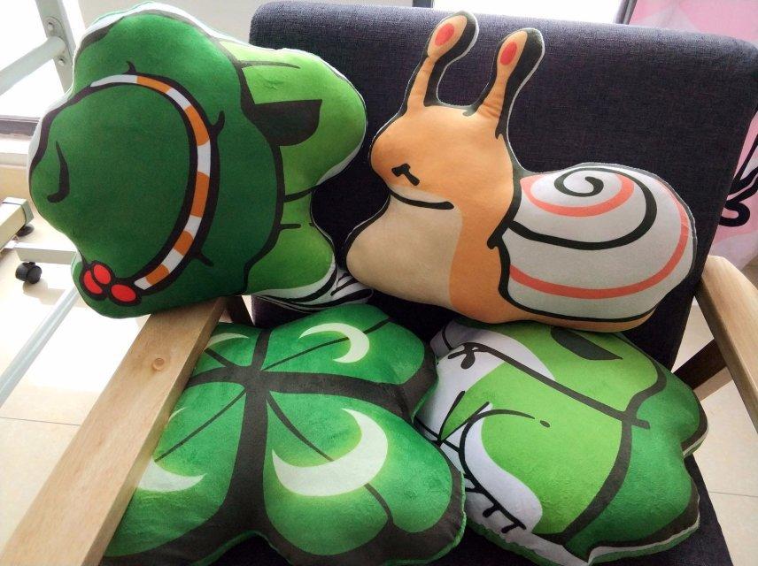 v周边周边游戏动漫结构梅梅四叶草蛙儿子抱枕毛绒玩具公仔玩偶蜗牛北极熊体块青蛙图片