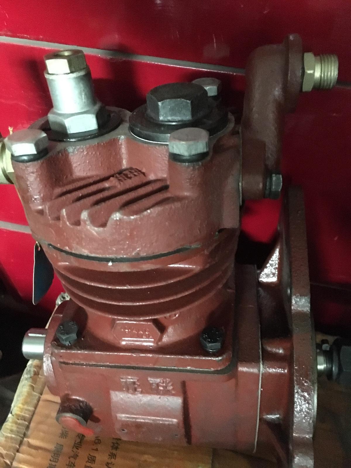 厦工柳工龙工通用型装载机铲车储气罐手动排气阀排水图片