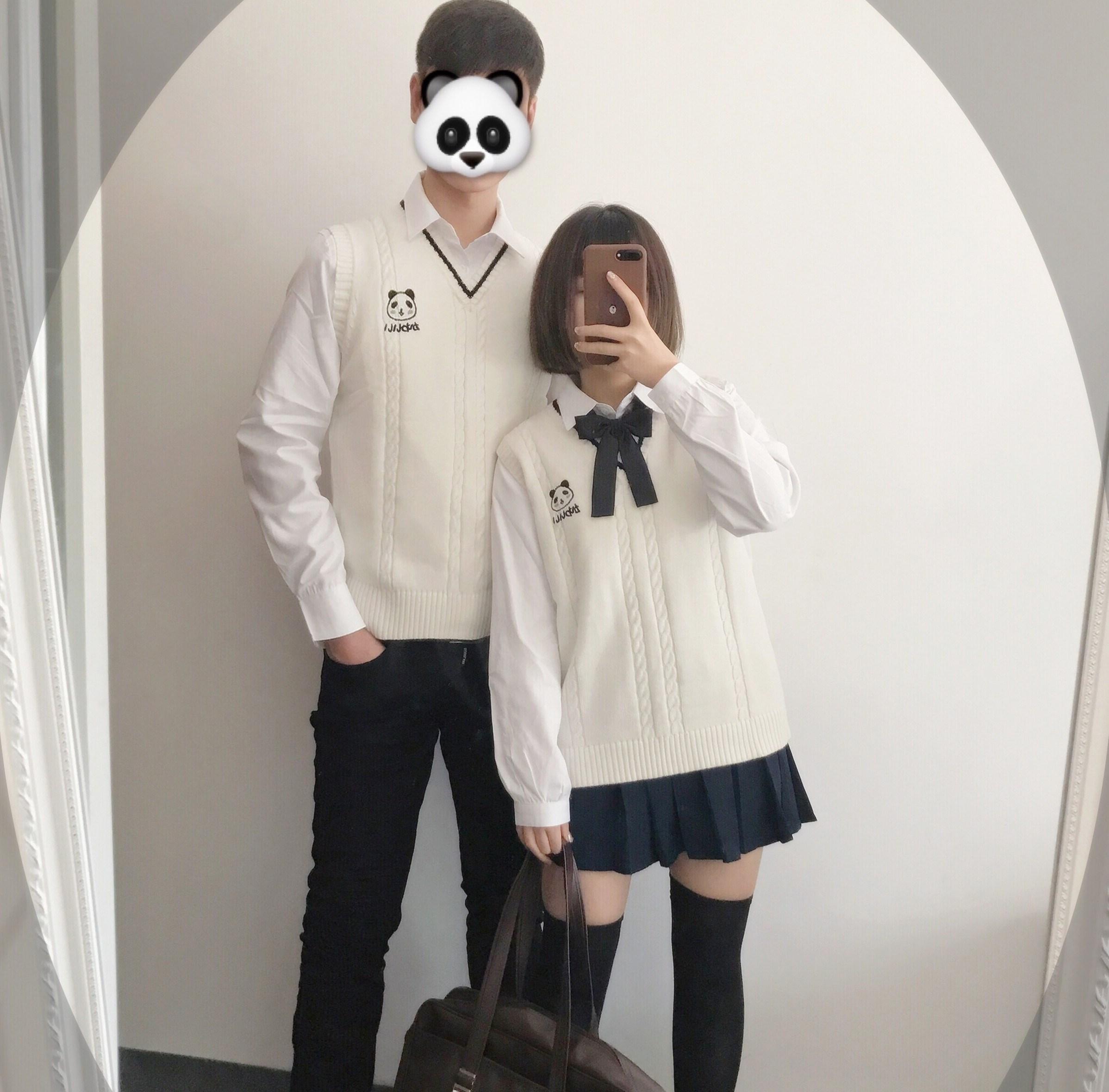 热卖日系软妹套装小熊刺绣jk制服情侣装毛衣男女学院风长袖套头针织衫图片
