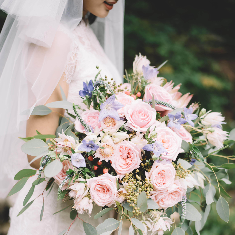 新娘手捧花_中国风中式球形新娘手捧花红玫瑰秀禾接新娘用花西安