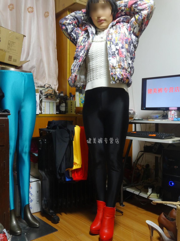 黑色健美裤视频_热卖健美裤光泽裤连袜裤紧身裤靴裤欧洲进口黑色氨纶弹力柔软光沢现货