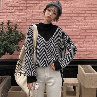 2017 autumn and winter hit the new V color collar woolen sweater sweater coat students loose long-sleeved shirt women