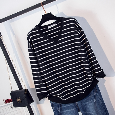 Large size women's fat mm autumn 2017 new striped V-neck long-sleeved sweater fat sister foreign-style primer shirt