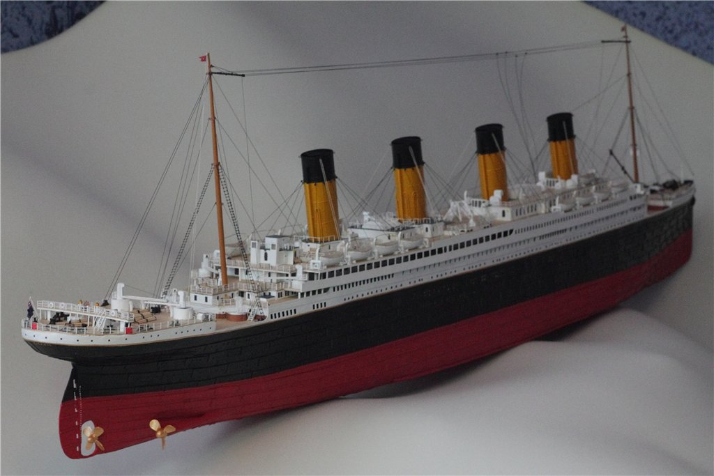 Build A Model Of The Titanic From A Kit