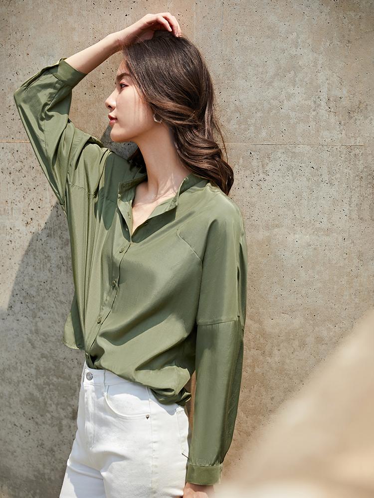 纯色蝙蝠袖立领简约休闲衬衫 焕发高贵复古别样的调性