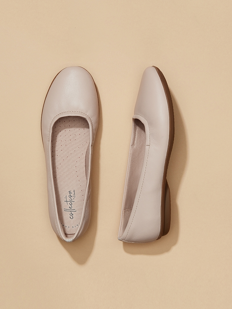 Clarks 其乐 Gracelin Vail 羊皮 一脚套女式平底鞋 35/35.5码4.1折$35.1 海淘转运到手约¥331 中亚Prime会员免运费直邮到手约¥256 国内¥749