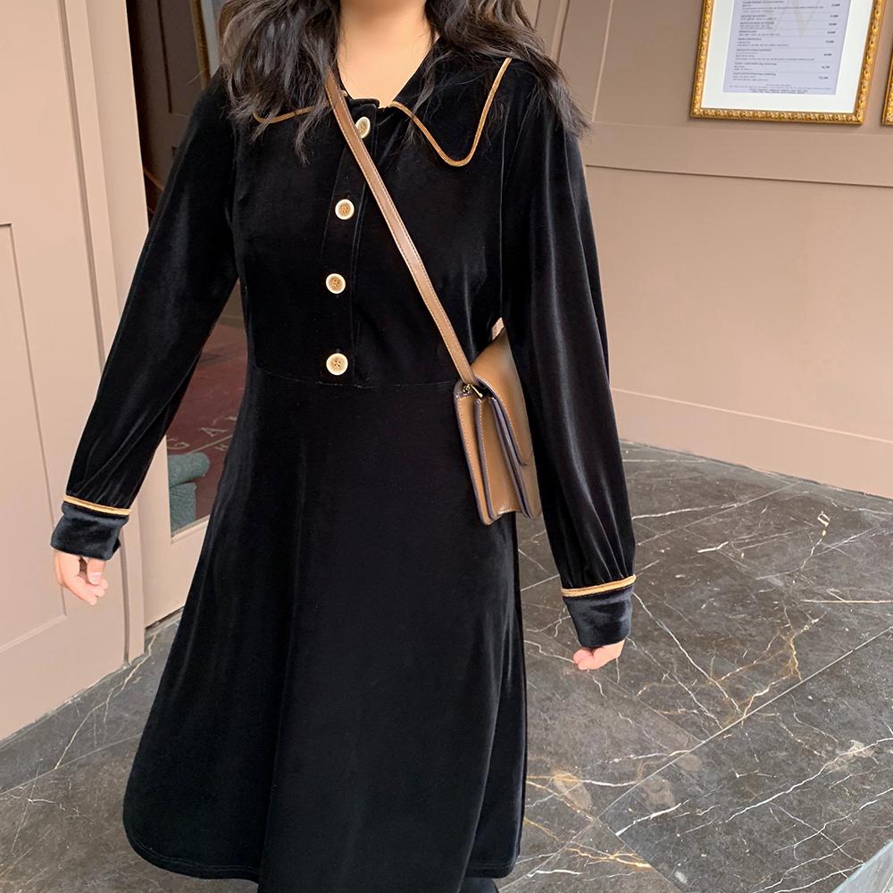 大码裙子胖冬装mm2019女装新款长裙气质连衣妹妹复古显瘦遮肚丝绒