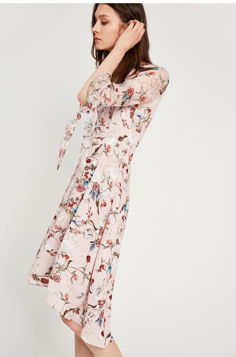 Lily2018夏装飘逸雪纺不规则收腰版型,袖子薄透,前短后长印花连衣裙 5
