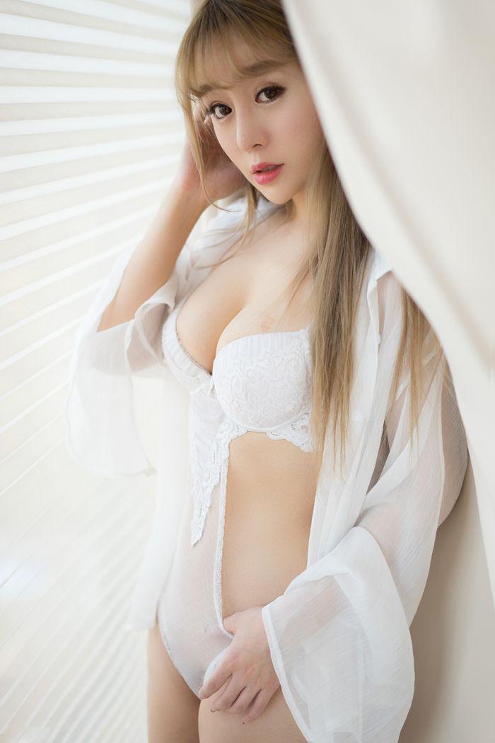 福利美图_美女王雨纯私房照裸着屁屁大晒极致诱惑