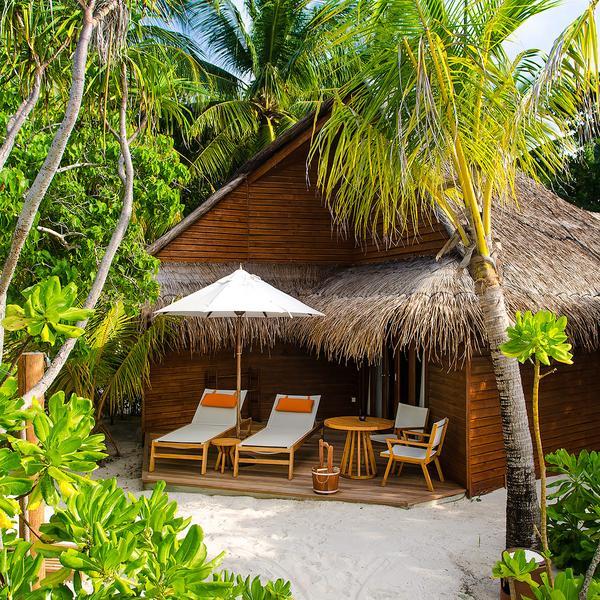 房型内部设施图片参考,如无边泳池与电视及音响, 沙滩别墅-Beach Villas maldievs(蜜莉喜岛 Mirihi Island Resort)