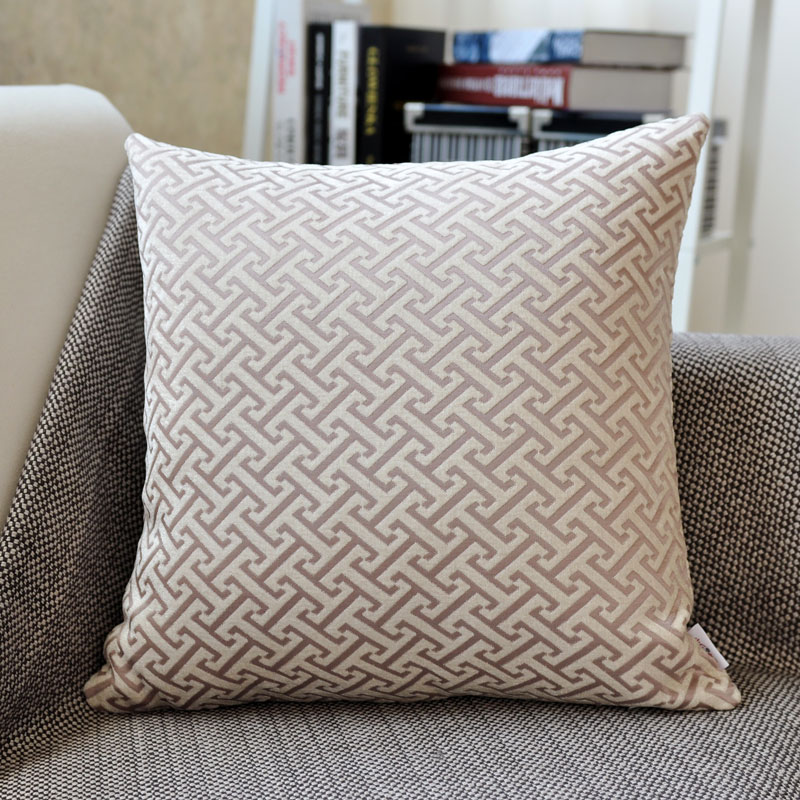 Beige I-shaped pattern pillow (chenille jacquard)