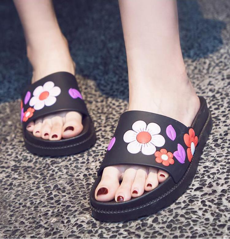 放飞自我,夏季拖鞋穿起来!