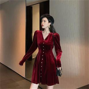 法式复古金丝绒连衣裙
