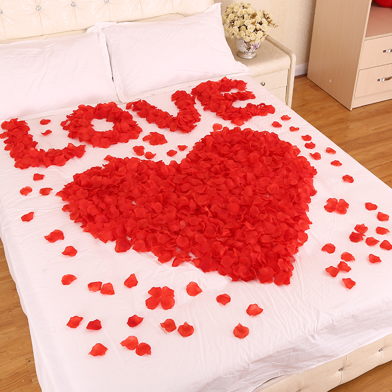 decoration marriage bed. Wedding supplies false red rose petals wedding proposal marriage  room bed decoration birthday romantic arrangement