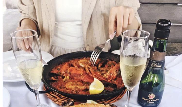 吃大餐也是有技巧的,这么吃才能不胖呀~