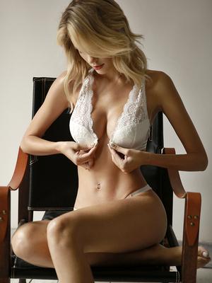 未满 性感内衣套装蕾丝前扣美背文胸带钢圈胸罩聚拢薄海绵奶罩