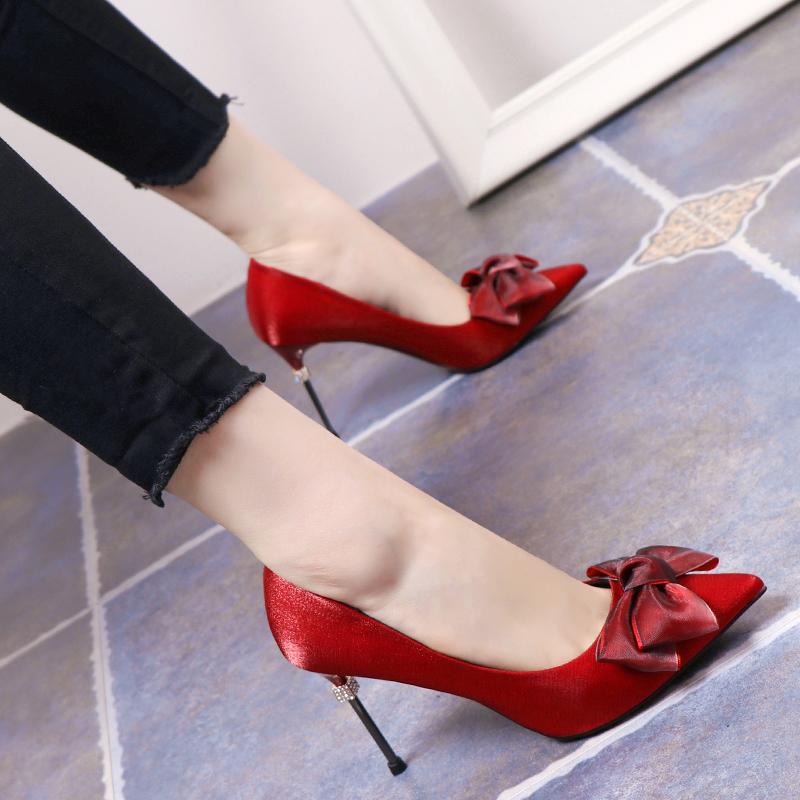 高跟鞋女春季2019新款细跟少女尖头面蝴蝶结网红法式绸缎浅口单鞋
