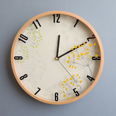Idyllic minimalist wall clock Northern Europe, IKEA clock, Japanese solid wood mute bedroom living room wall clock free punch watch