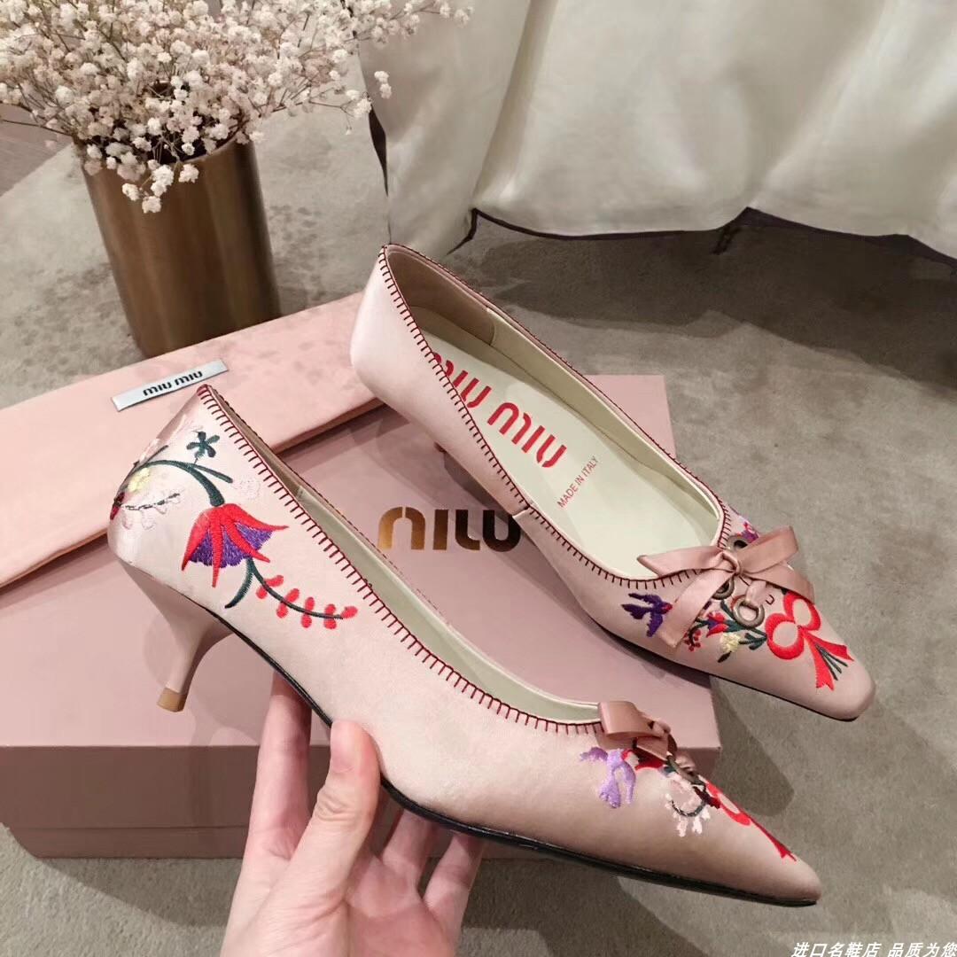 Miu绒面粉色高跟鞋绣花鞋蝴蝶结鞋ins款女鞋谬鞋